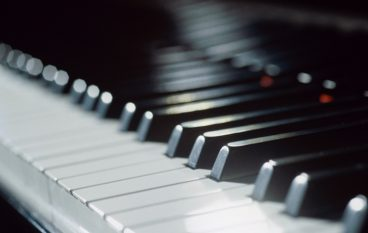 Dueling Pianos Fundraiser to Benefit Ivy Tech Students